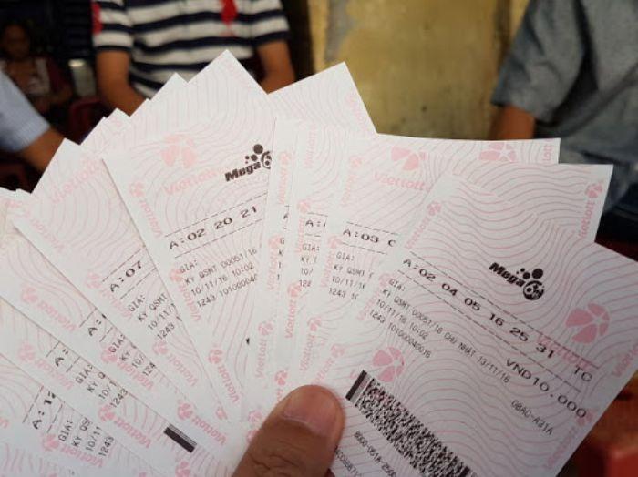 Việc mua vé số vietlott theo nhóm sẽ giúp người chơi nâng cao cơ hội trúng vietlott