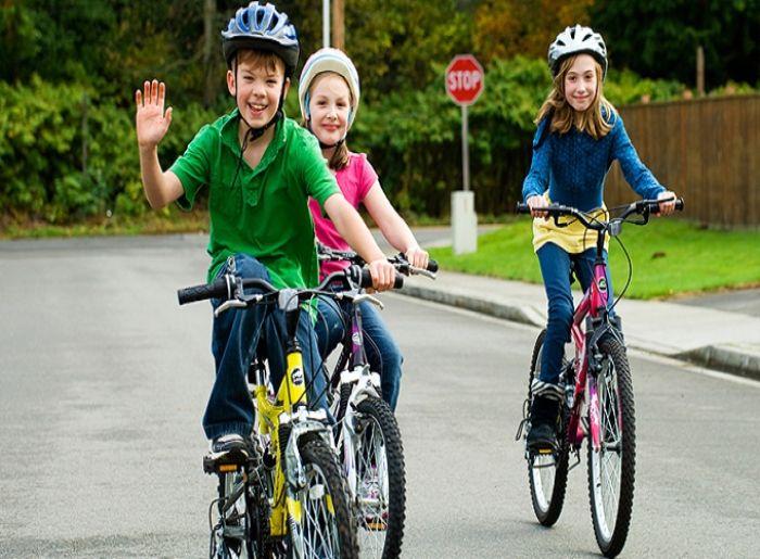 Xe đạp là một người bạn đồng hành quen thuộc trong tuổi thơ của mỗi chúng ta