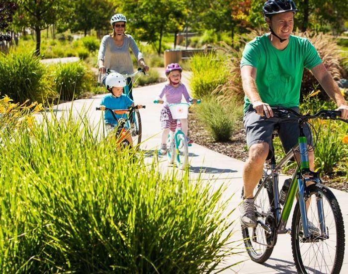Mơ thấy đi xe đạp với gia đình