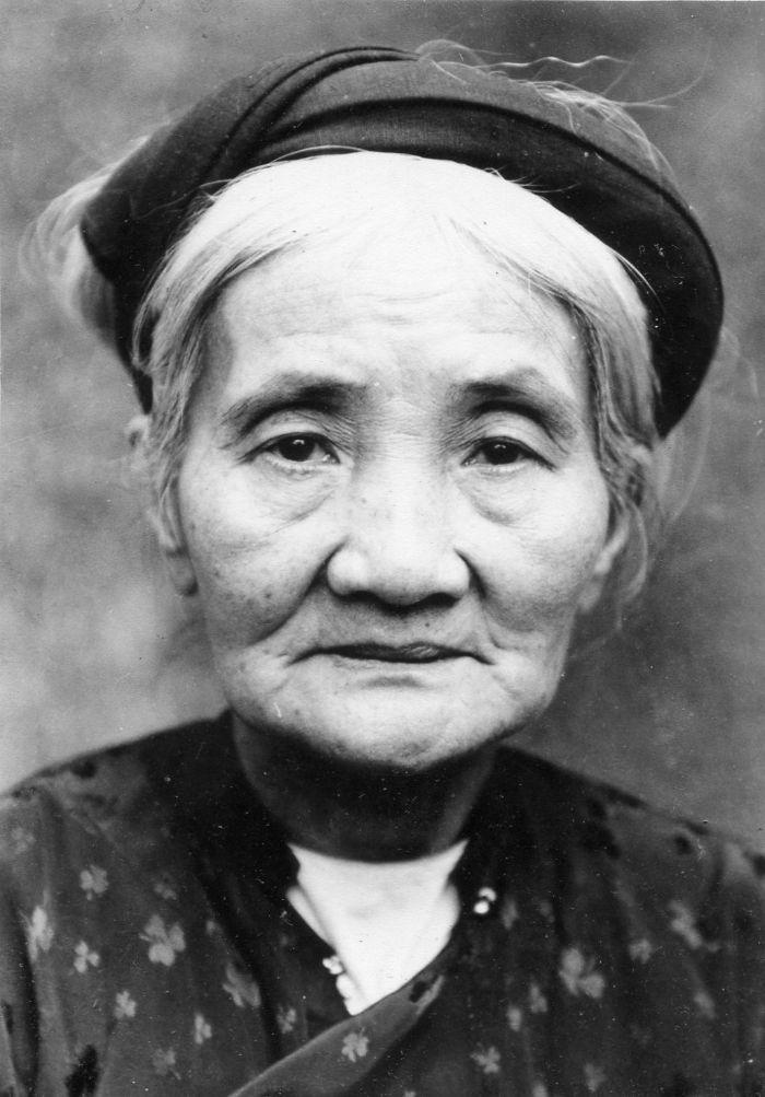 Mơ bà nội chết đi sống lại
